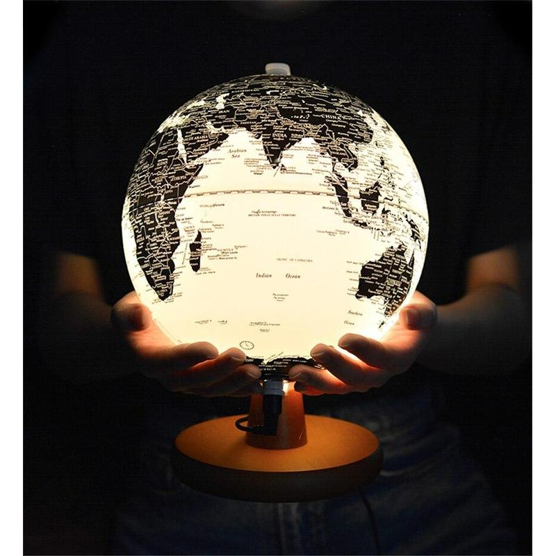 Globe Terrestre 3D Noir Et Blanc