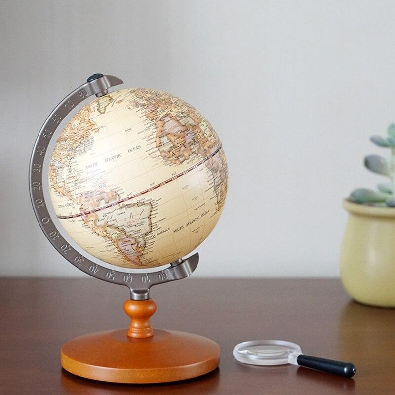 Globe Terrestre Avec Loupe