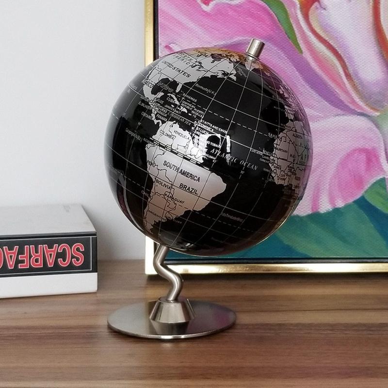 Globe Terrestre Noir Et Gris