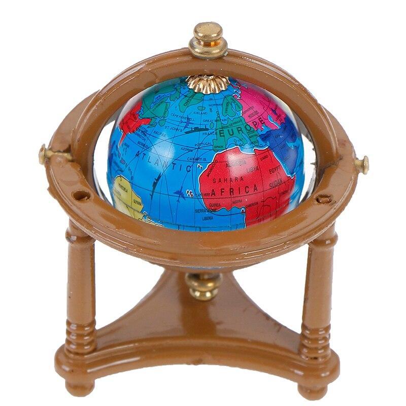Globe Terrestre Pied En Bois