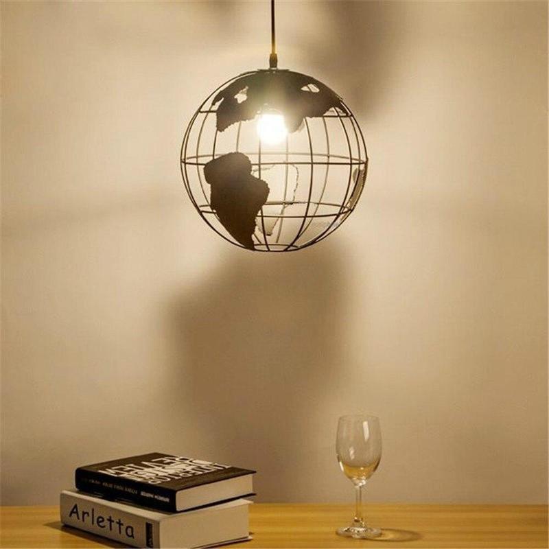 Globe Terrestre Style Industriel